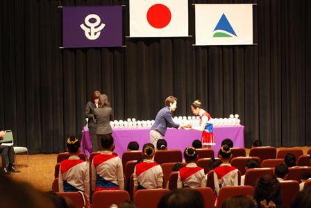 足立区教育委員会児童・生徒褒賞式(4)